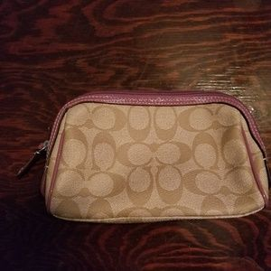 Nwot coach small makeup case